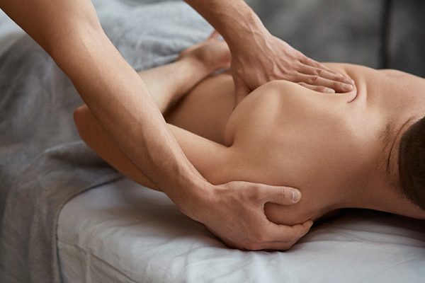 massage therapy shoulder blade