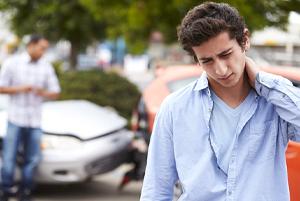man neck pain car accident