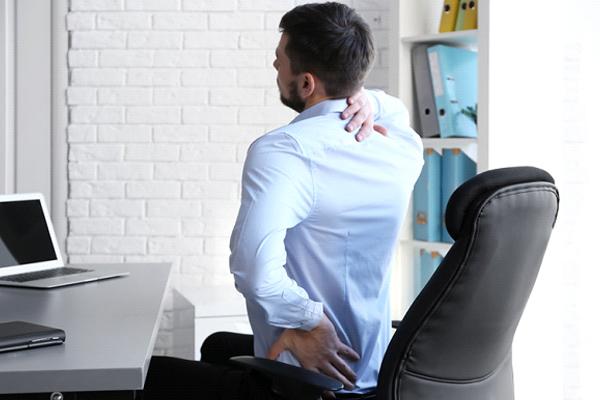 man back neck pain